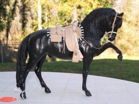 how to make a corona saddle pad